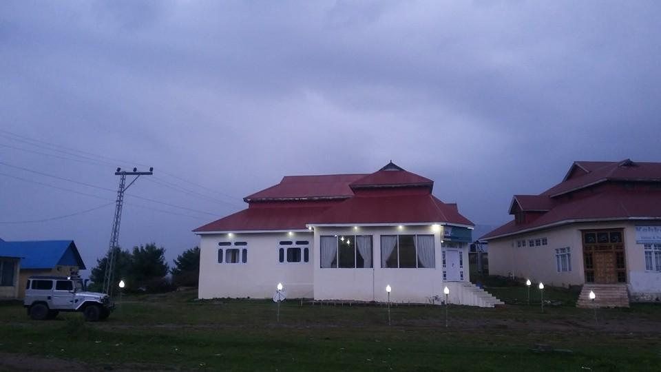 New Tourist Inn Shogran